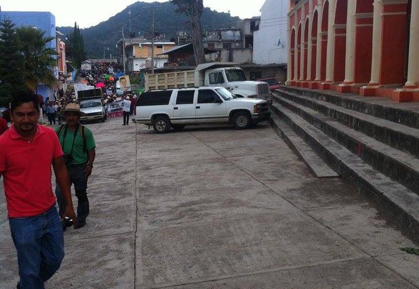 Yosonotu denuncia agresión  por sus vecinos de Monteverde