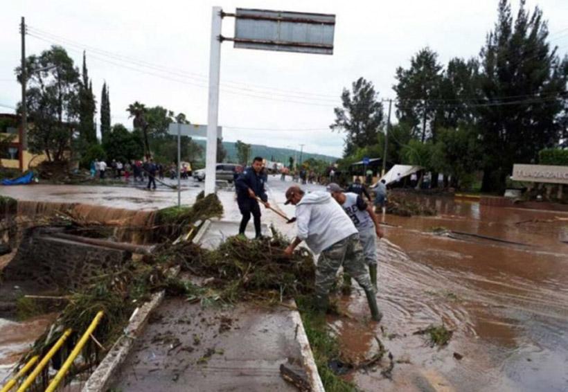 Tromba en Michoacán deja un muerto y 4 desaparecidos | El Imparcial de Oaxaca