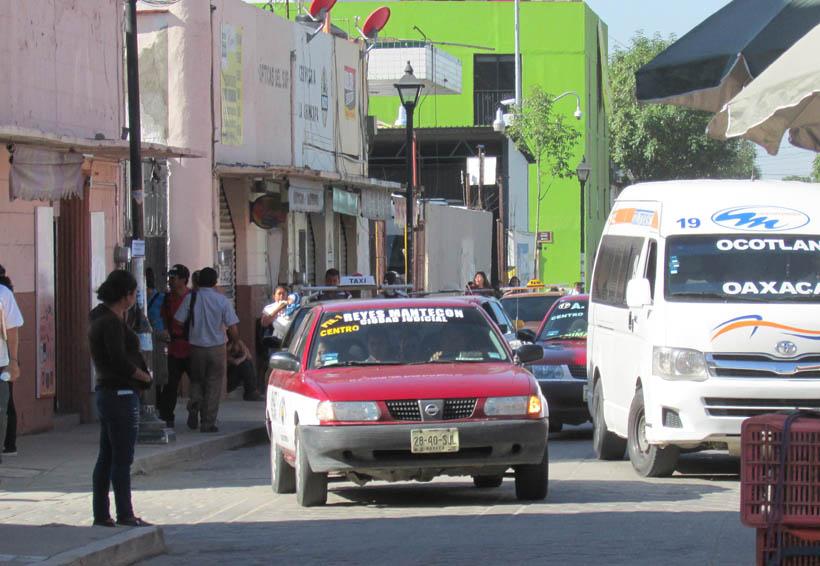 Temen accidentes por cantidad de autos  y camiones que transitan en Oaxaca