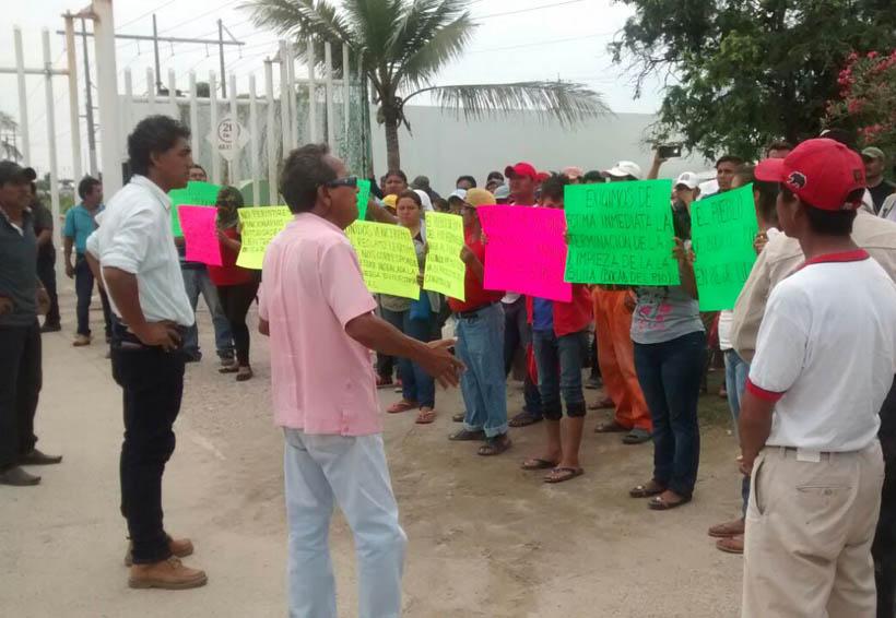 Demandan empleo temporal habitantes de Salina Cruz, Oaxaca | El Imparcial de Oaxaca