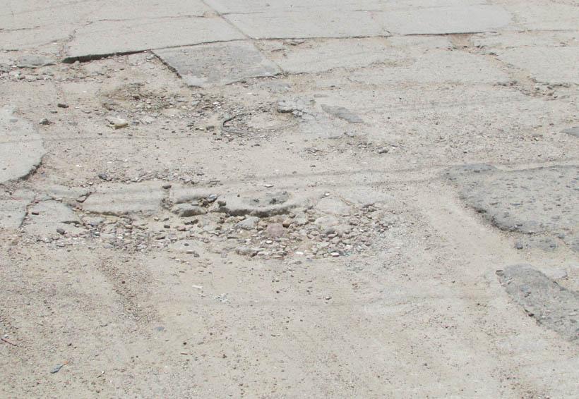 Denuncian mal estado de arroyo vehicular en Oaxaca