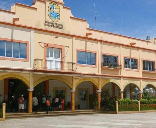 Toman palacio de Pinotepa Nacional, Oaxaca