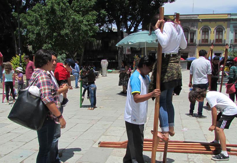 Disfrutan los juegos tradicionales en Oaxaca