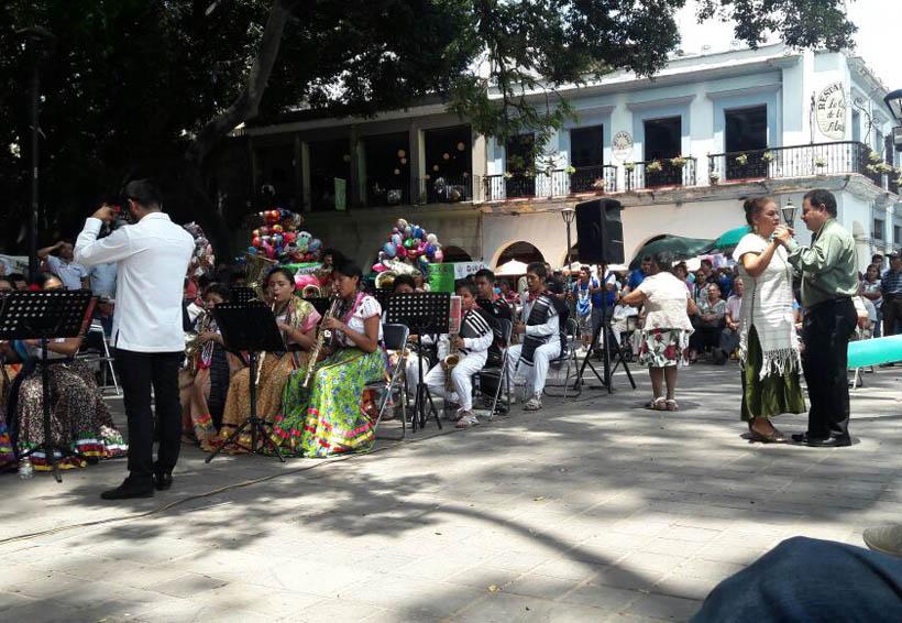Banda filarmónica José López Alavez deleitan con su música