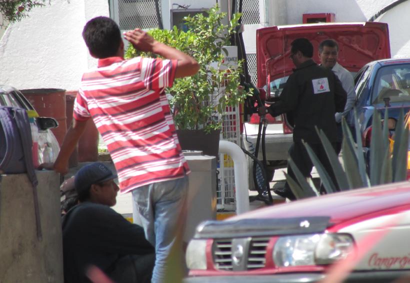 """""""Imponen cuotas"""" limpiaparabrisas de Oaxaca"""