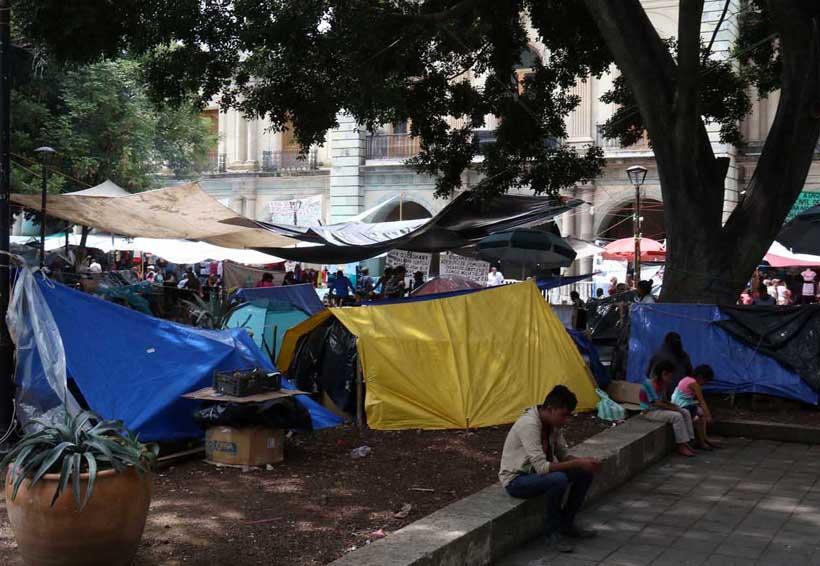 Regresan desplazados de Zaachila al zócalo de Oaxaca | El Imparcial de Oaxaca