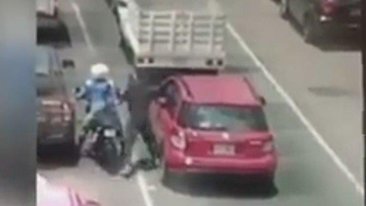 Video: 'Justiciero' dispara a sujetos que intentaron asaltarlo, mata a uno | El Imparcial de Oaxaca
