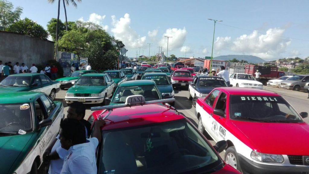 Bloqueado el acceso principal al centro de Tehuantepec en Oaxaca | El Imparcial de Oaxaca
