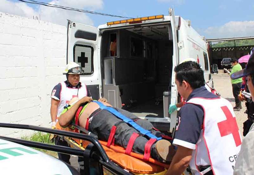 Muere mecánico prensado por una camioneta | El Imparcial de Oaxaca