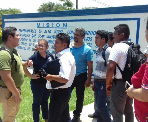 Gresca entre maestros del CETMAR 05 en Salina Cruz, Oaxaca