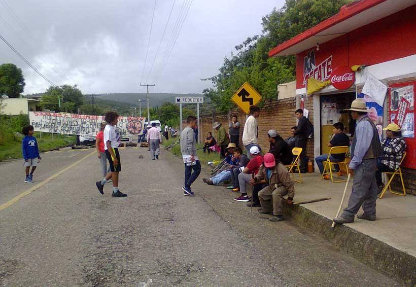 Protestan por grave  contaminación de río en San Miguel Tixa, Oaxaca