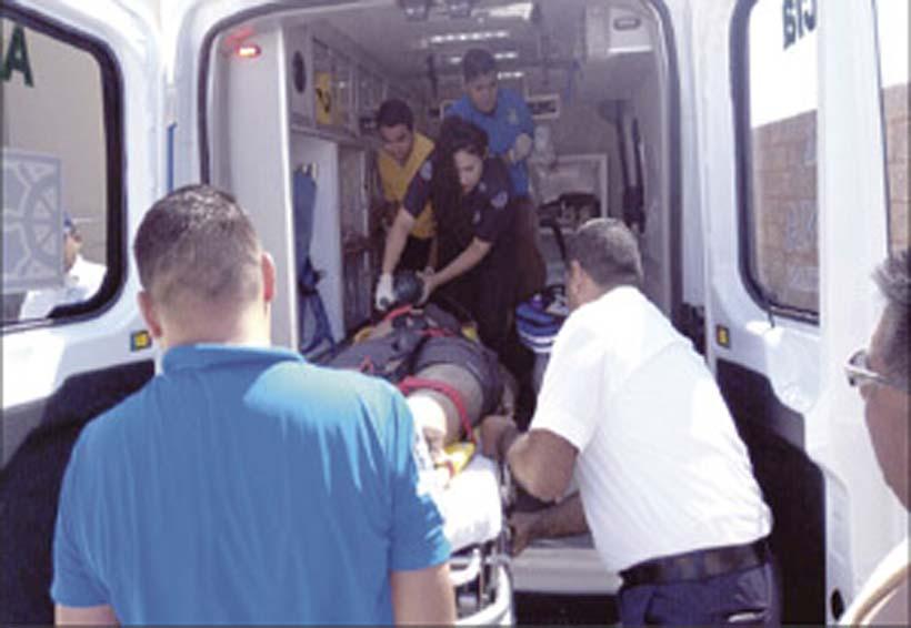 Niño cae al lanzarse de un paracaídas y muere