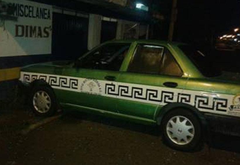Se duerme taxista  y choca con tienda en Huajuapan, Oaxaca | El Imparcial de Oaxaca