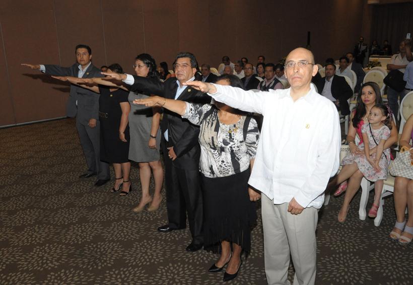 Relevo en EGEO; asume nueva mesa directiva | El Imparcial de Oaxaca