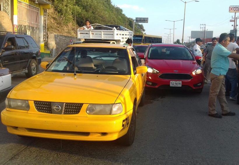 Hombre alcoholizadoprovoca accidente en Salina Cruz, Oaxaca