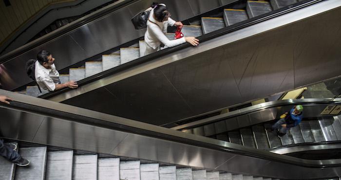 Niño pierde la mano en escalera eléctrica del metro de la CDMX | El Imparcial de Oaxaca