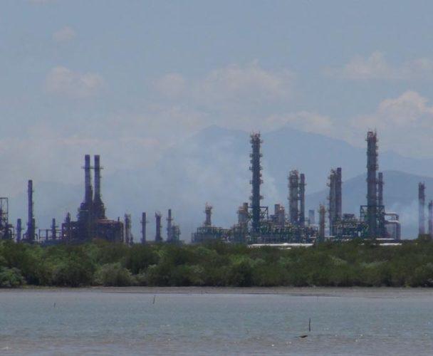 Inicia producción refinería en el Istmo, Oaxaca luego de 70 días inhábiles