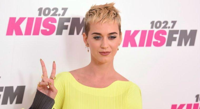 Por Katy Perry, sólo tengo 9 dedos: Demanda millonaria vs la cantante