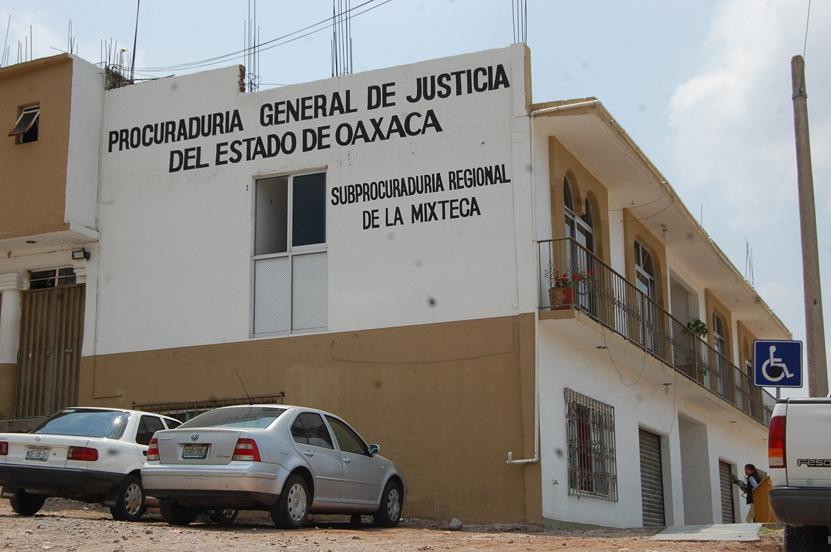 Denuncian abusos y amenazas de la AEI  en Huajuapan de León   El Imparcial de Oaxaca
