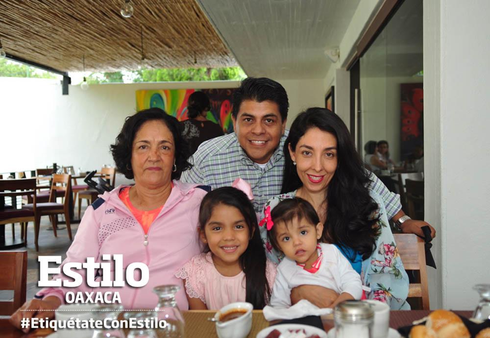 Miriam celebra en familia