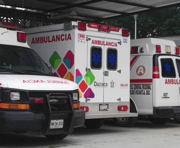 Sin ambulancias el hospital regional de Pochutla