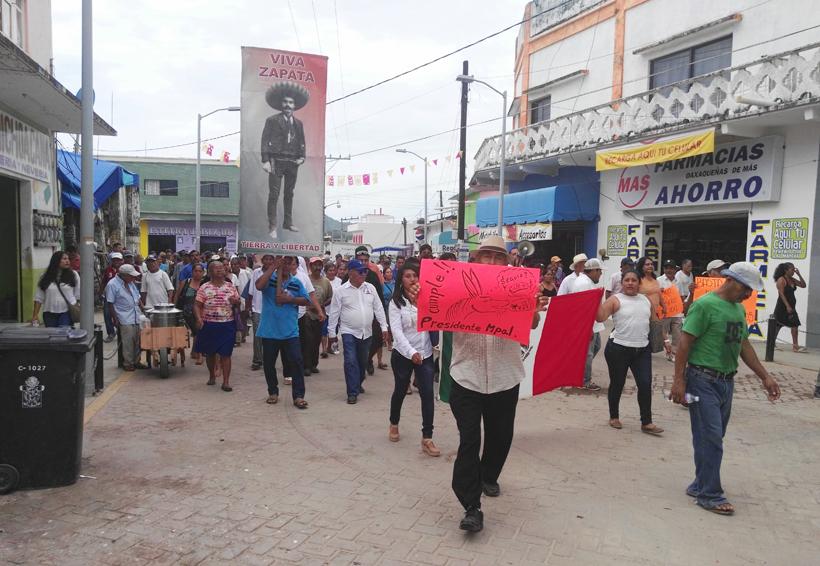 Comuneros de Pochutla piden elección de Usos y Costumbres | El Imparcial de Oaxaca