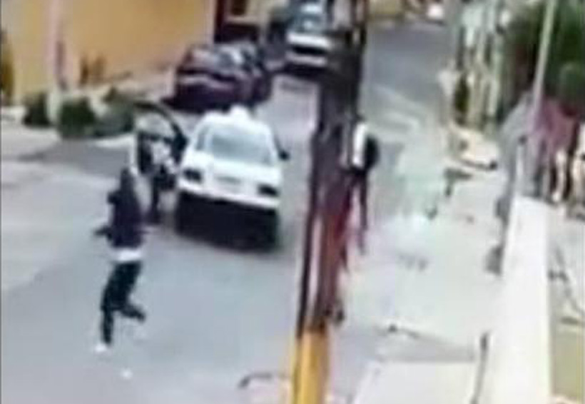 Video: Taxista impide asalto a una familia | El Imparcial de Oaxaca