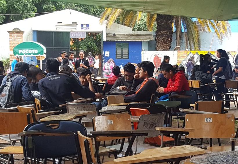 En Oaxaca, mil estudiantes en el patio de la prepa 1 | El Imparcial de Oaxaca