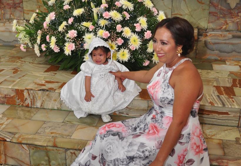 Aisha Valentina es bautizada
