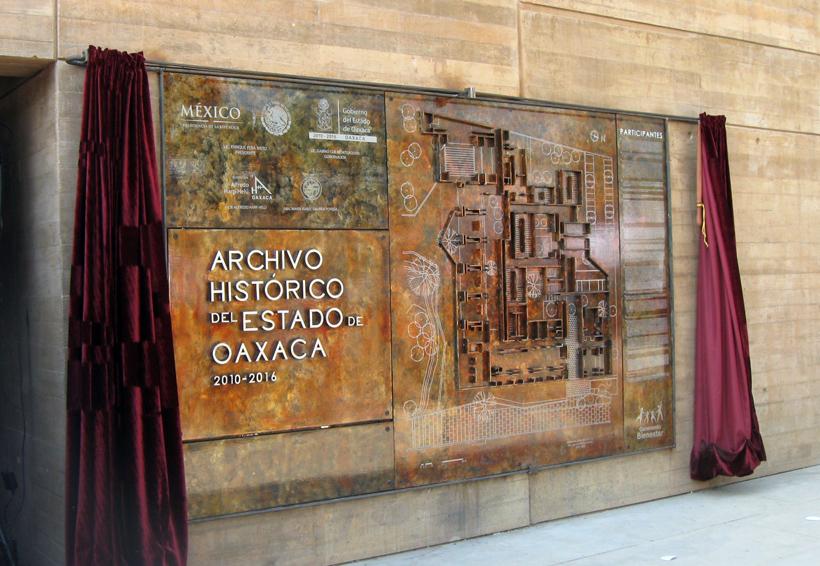 Trasladan el acervo del  Archivo Histórico de Oaxaca