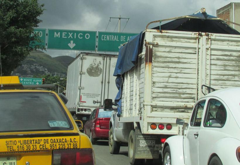 Momentos caóticos viven los conductores de Oaxaca