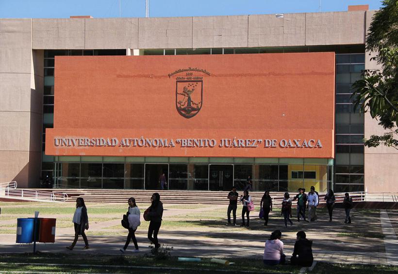 Protestan por amenazas a catedráticos de la Uabjo