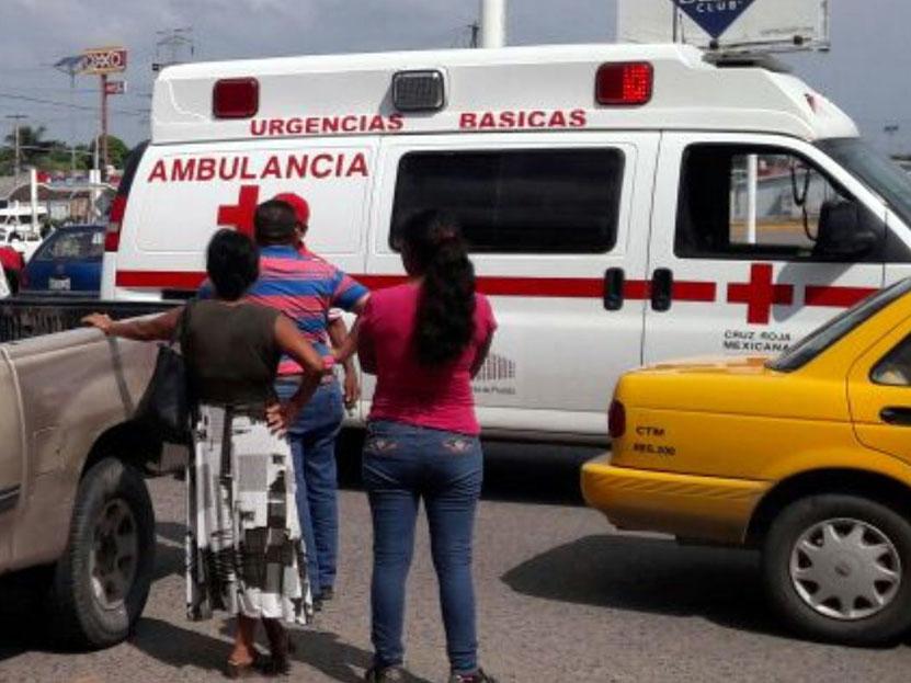 Impacta a un taxi en Salina Cruz, Oaxaca | El Imparcial de Oaxaca