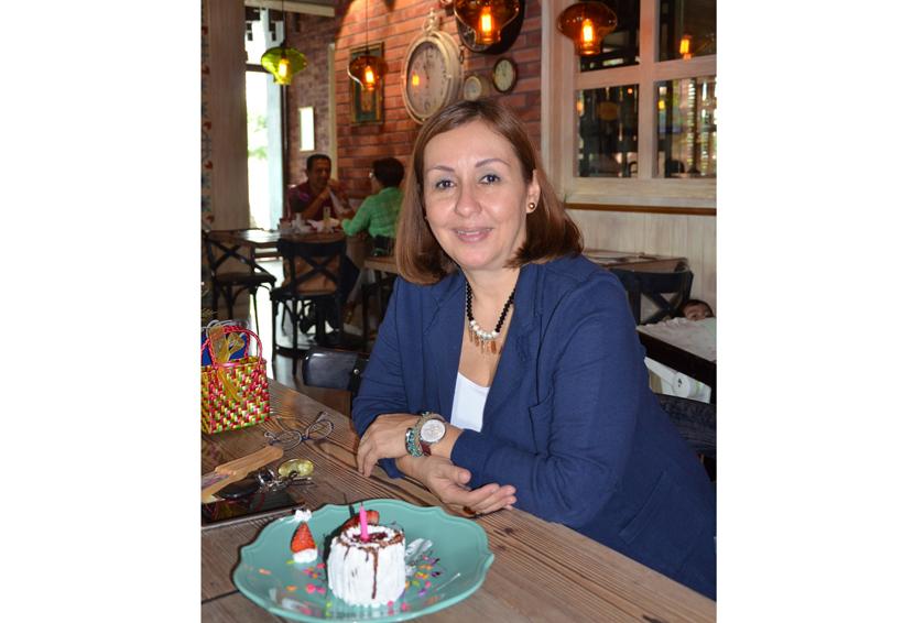 ¡Feliz  cumpleaños Ana Laura!