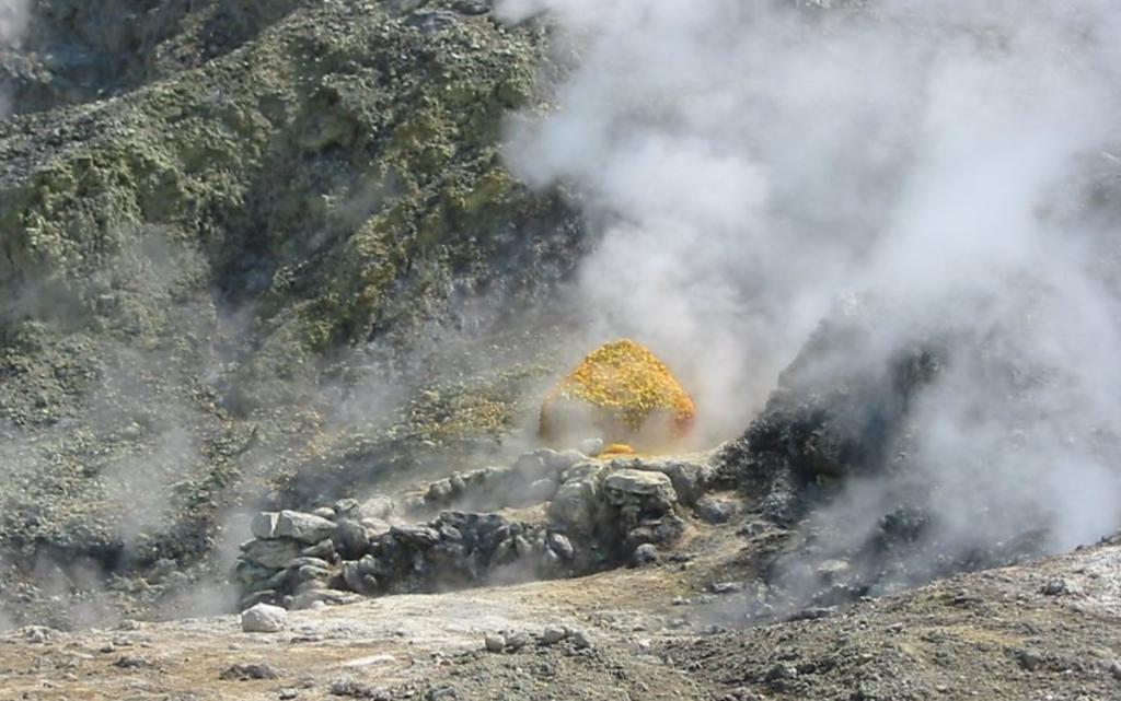 Familia muere al caer dentro de cráter volcánico | El Imparcial de Oaxaca