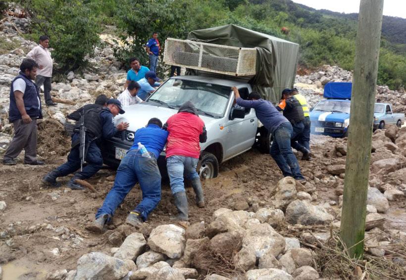 Sufre Yosoyuxi, Copala, afectaciones por deslave