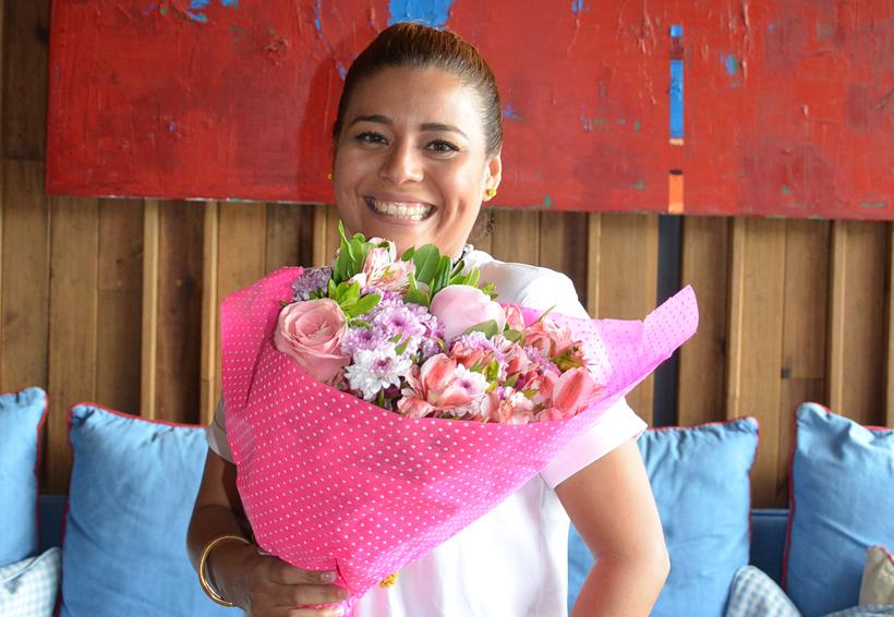 Rosalía recibe parabienes