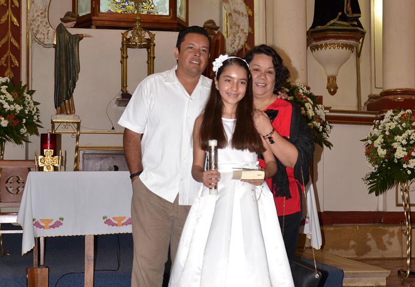 Valentina, Sabina y Juan José Vargas Ortiz recibieron el sacramento de la Comunión