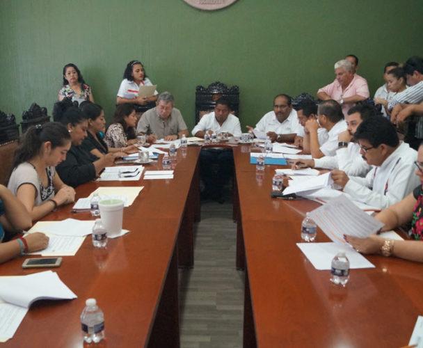 """Cabildo se resiste a entregar título de """"Hijo predilecto de Tuxtepec"""", Oaxaca"""