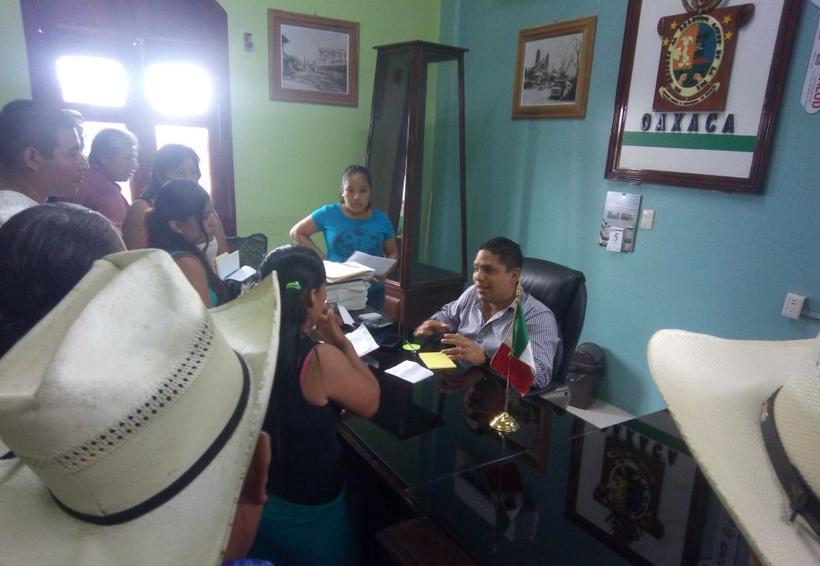 Malestar en Ojitlán y Jalapa de Díaz por bloqueo de S-22 | El Imparcial de Oaxaca