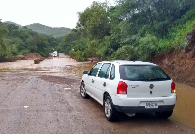 Siguen los hundimientos y derrumbes en Huajuapan de León, Oaxaca