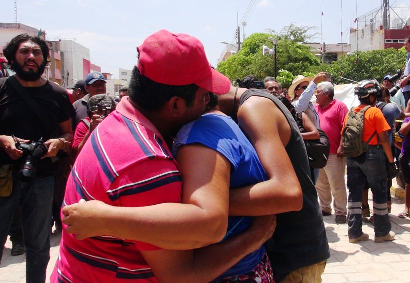 Viven entre miedo y rezos, en Juchitán