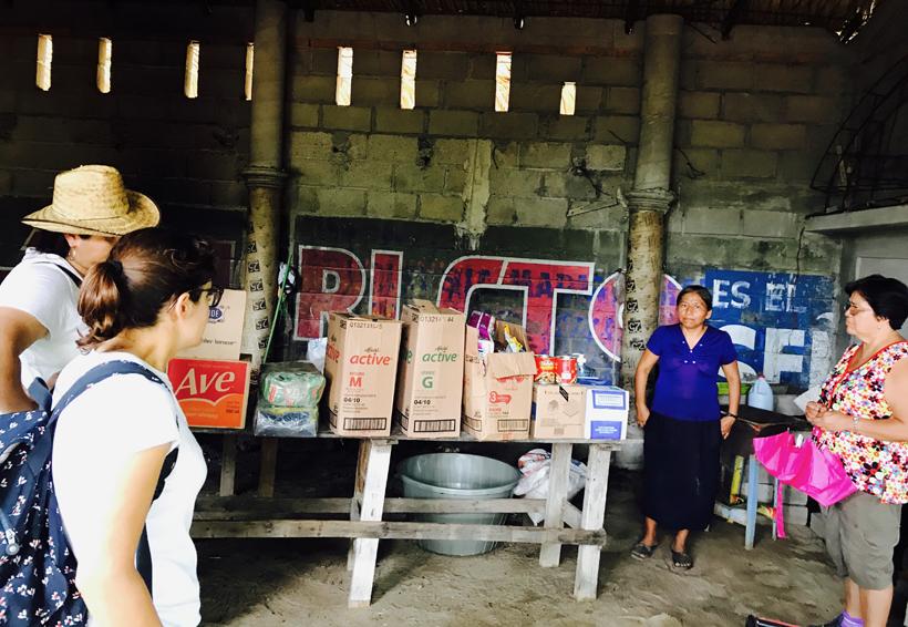 Jóvenes altruistas en apoyo a damnificados del Istmo de Oaxaca
