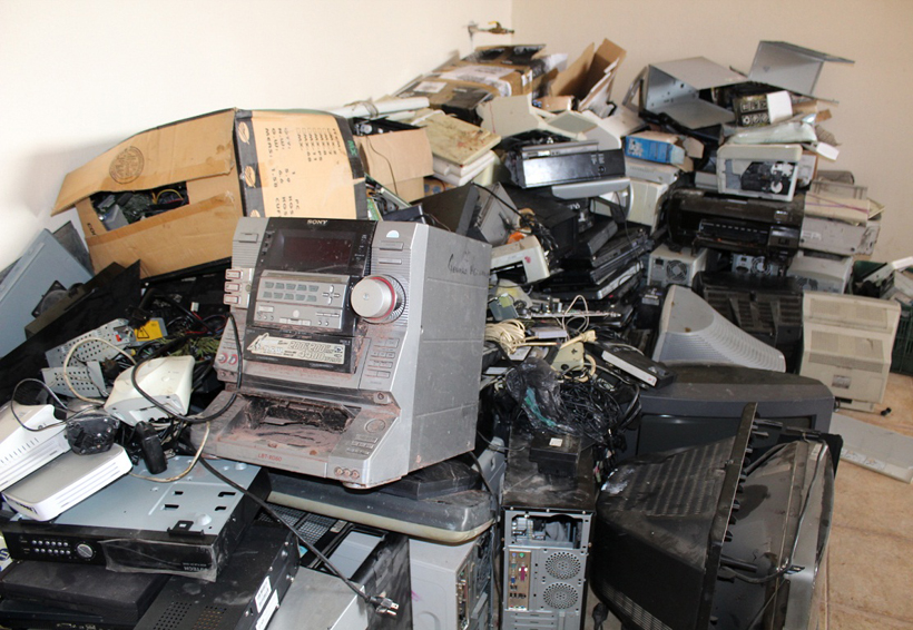 En Huajuapan combaten contaminación que genera la basura electrónica