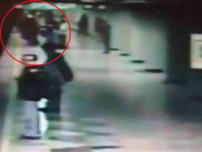 Video: Muere mujer al ser empujada a las vías del metro | El Imparcial de Oaxaca