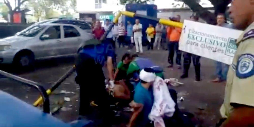 Automovilista decide atropellar a motociclistas que lo asaltaron | El Imparcial de Oaxaca