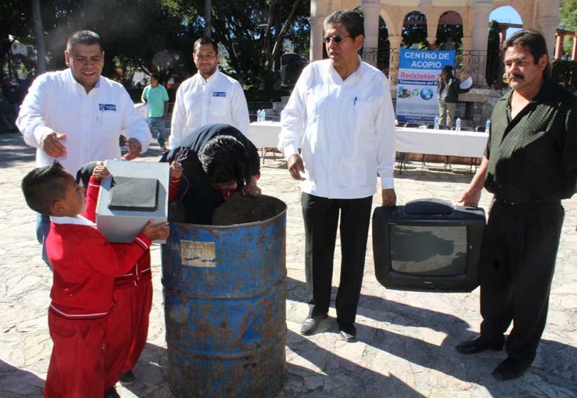 Tamazulápam se suma al  reciclaje de basura electrónica