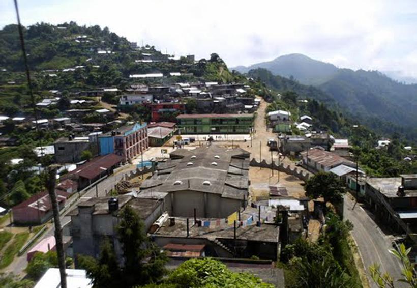 Se plantan en Palacio habitantes de Chuxnabán | El Imparcial de Oaxaca