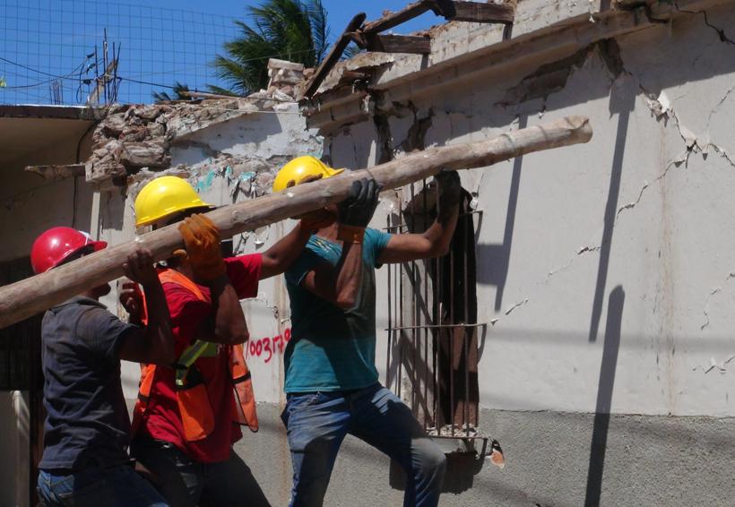 Centroamericanos ayudan en reconstrucción en Ciudad Ixtepec, Oaxaca