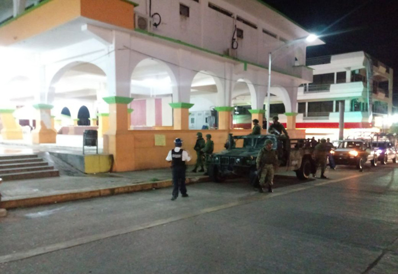 Video: Grupo armado siembra el terror en Loma Bonita, Oaxaca   El Imparcial de Oaxaca